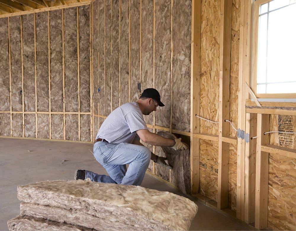 Какой утеплитель для стен каркасного дома лучше